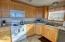 911 SW 2nd St, Newport, OR 97365 - Kitchen