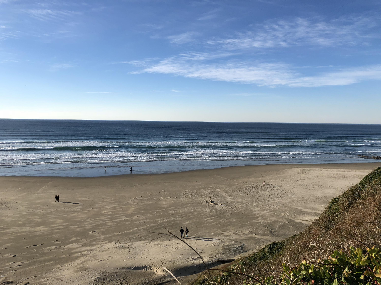 911 SW 2nd St, Newport, OR 97365 - Ocean Views