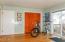 4925 NW Woody Way, Newport, OR 97365 - Master bedroom