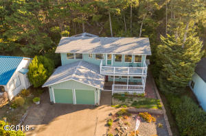 1709 NW Bayshore Dr, Waldport, OR 97394