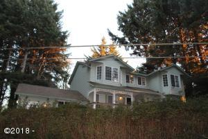 2440 NE 36th Dr, Lincoln City, OR 97367 - House on the Hill