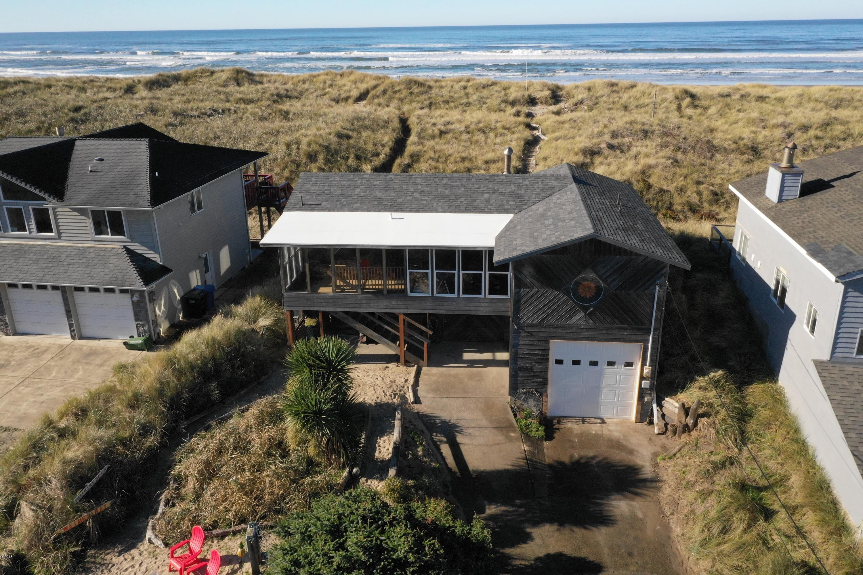 1006 NW Oceania Dr, Waldport, OR 97394