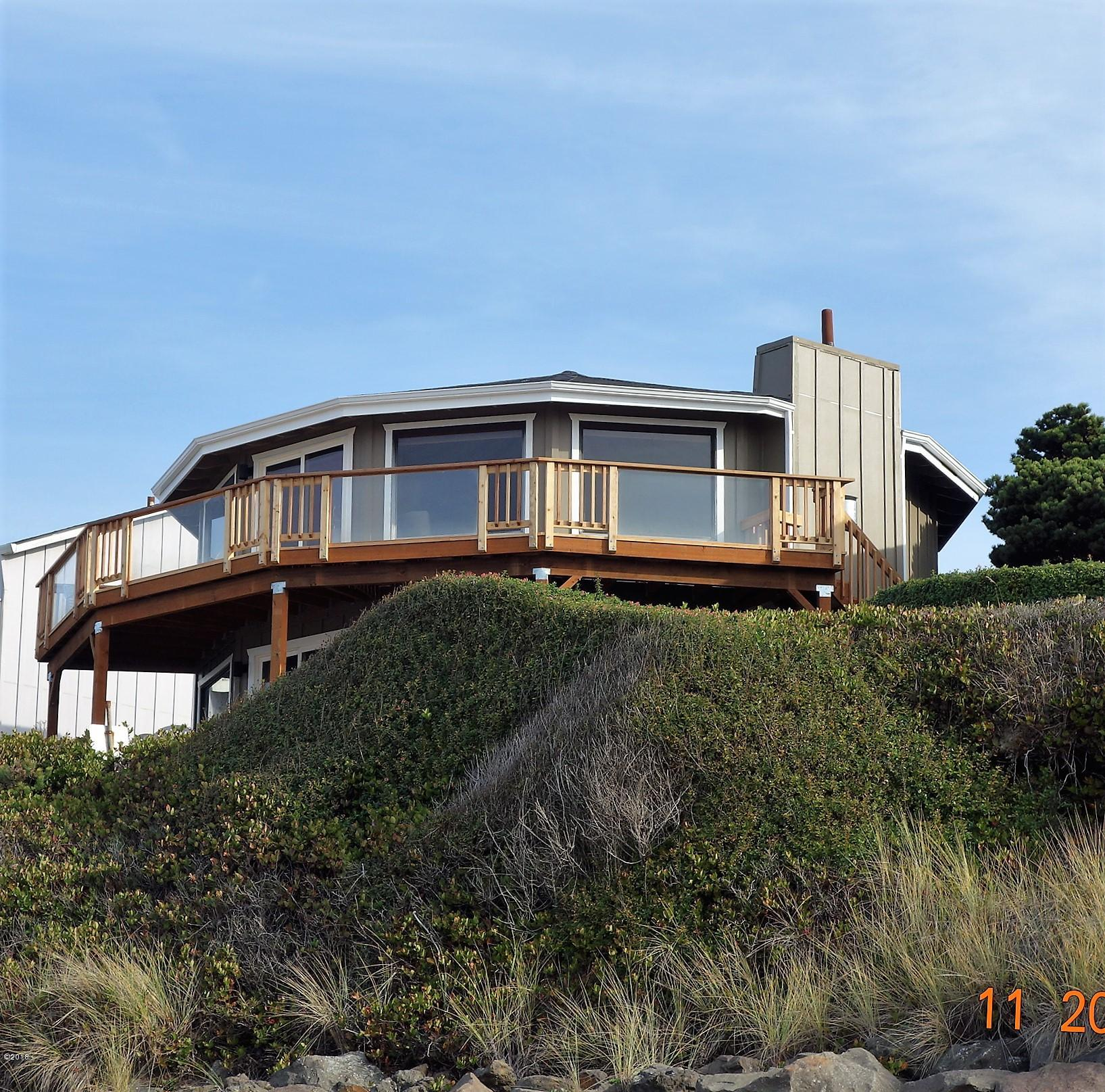7015 Neptune Ave, Gleneden Beach, OR 97388