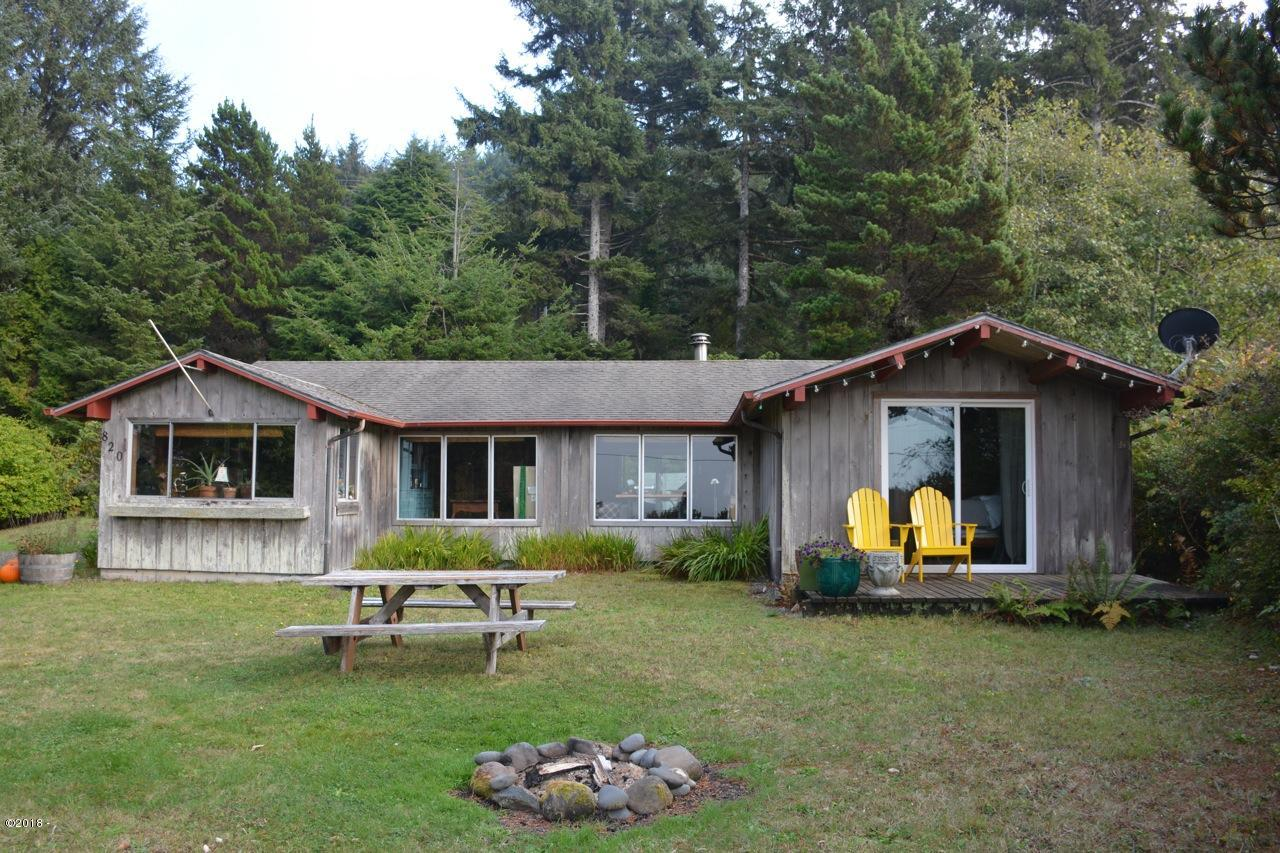 820 SW Coast Ave, Depoe Bay, OR 97341 - Front of home