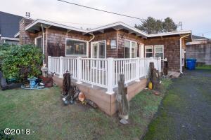 3040 SW Beach Ave, Lincoln City, OR 97367 - Exterior