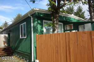 242 NW 23rd St, Newport, OR 97365