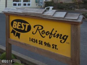1424 SE 9th Street, Lincoln City, OR 97367 - Sign