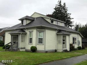 2203 9th St, Tillamook, OR 97141 - Building