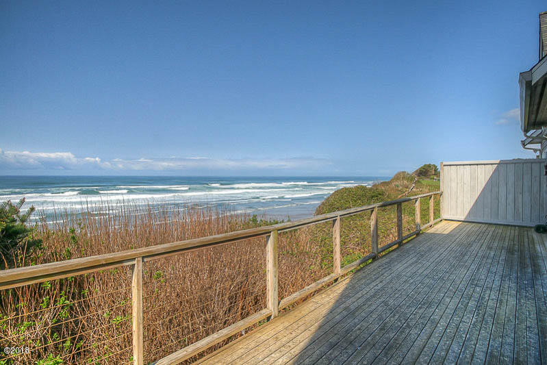 8950 SW Marine View St., South Beach, OR 97366 - Ocean Front Deck