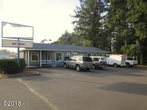 3691 NW Hwy 101, Lincoln City, OR 97367 - Exterior 2