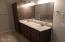 1275 SE 41st St, Lincoln City, OR 97367 - Master bathroom