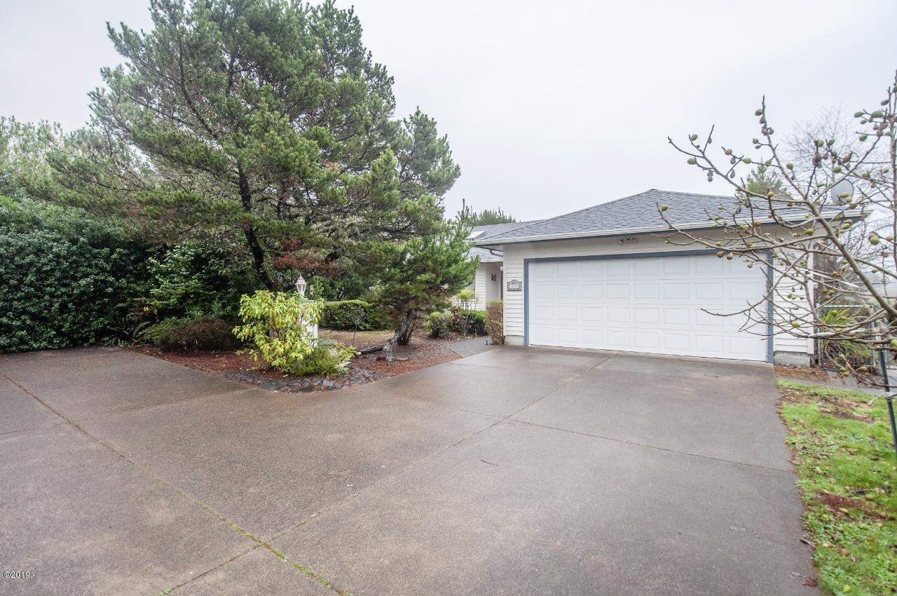 295 SW Range Dr, Waldport, OR 97394 - Exterior - View 1 (1280x850)