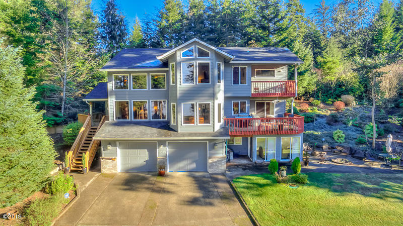 4335 NE Eagle Pl, Otis, OR 97368