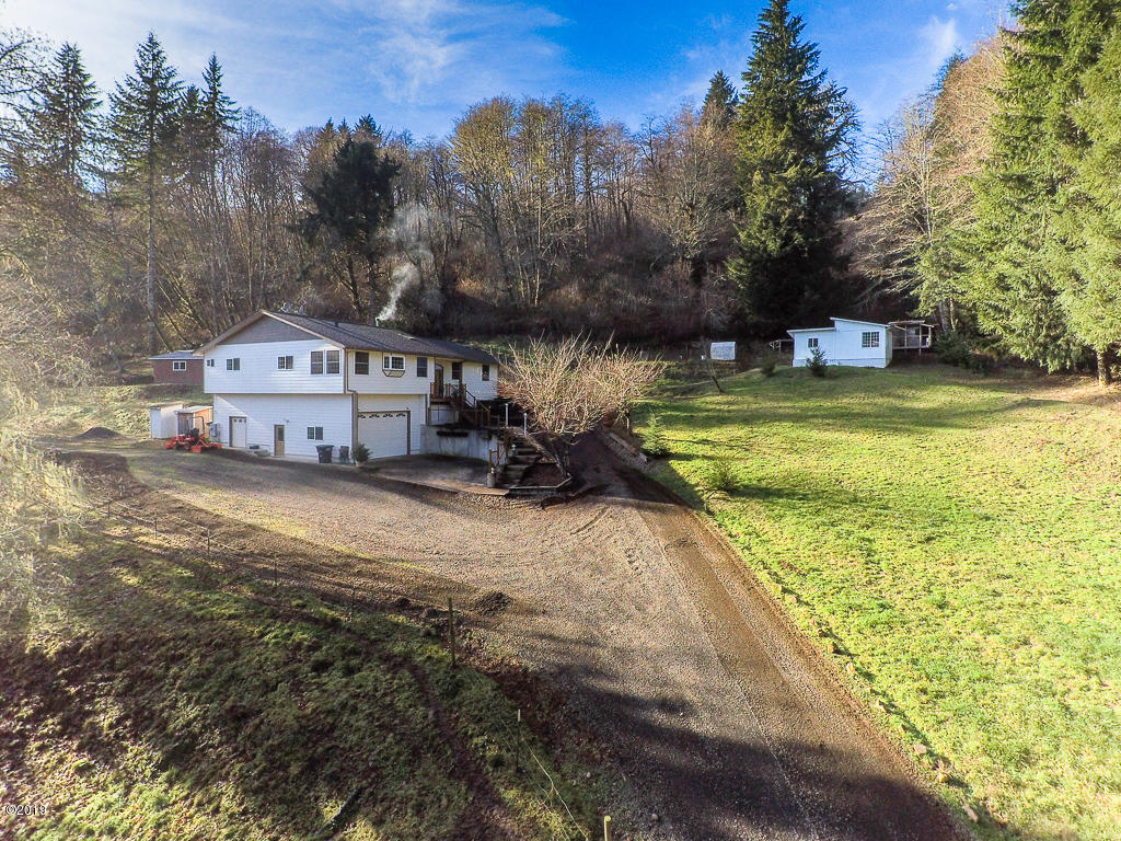 323 Big Rock Creek Road, Logsden, OR 97357