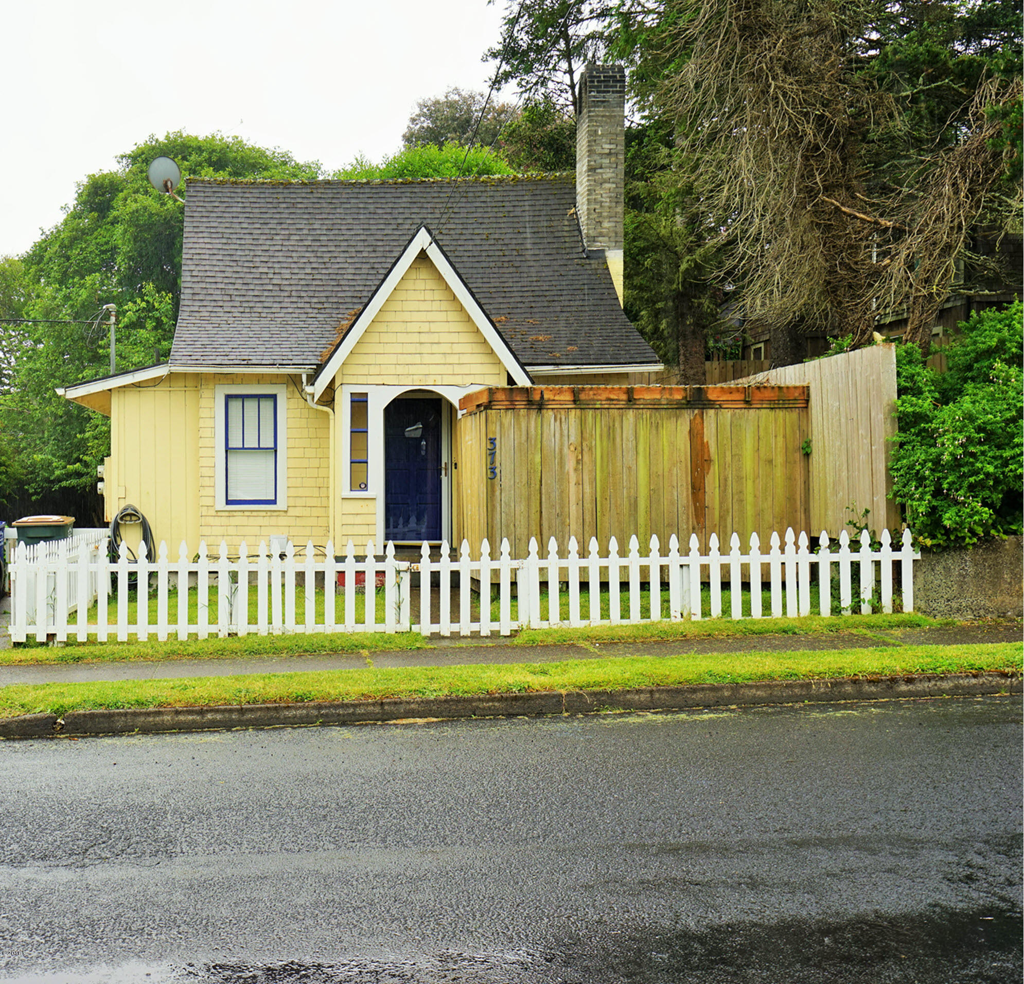 373 W Olive St, Newport, OR 97365