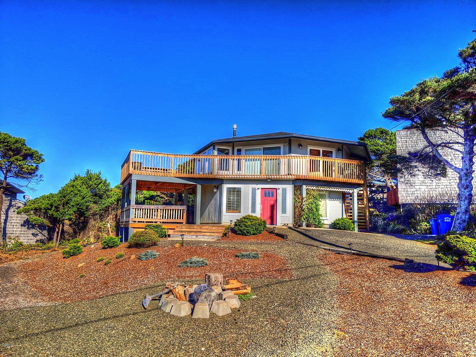 32 SW 100th Ct, South Beach, OR 97366