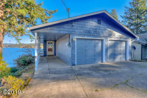 2830 NE Lake Dr, Lincoln City, OR 97367 - Devils Lake Front
