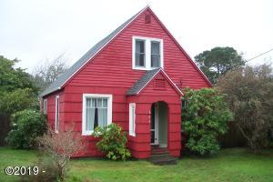 645 N Bay Street, Waldport, OR 97394 - Front of home