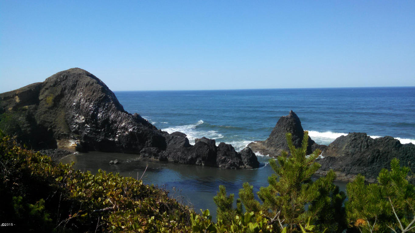 TL7200 NW Pacific Coast Hwy, Seal Rock, OR 97376 - Rocky View