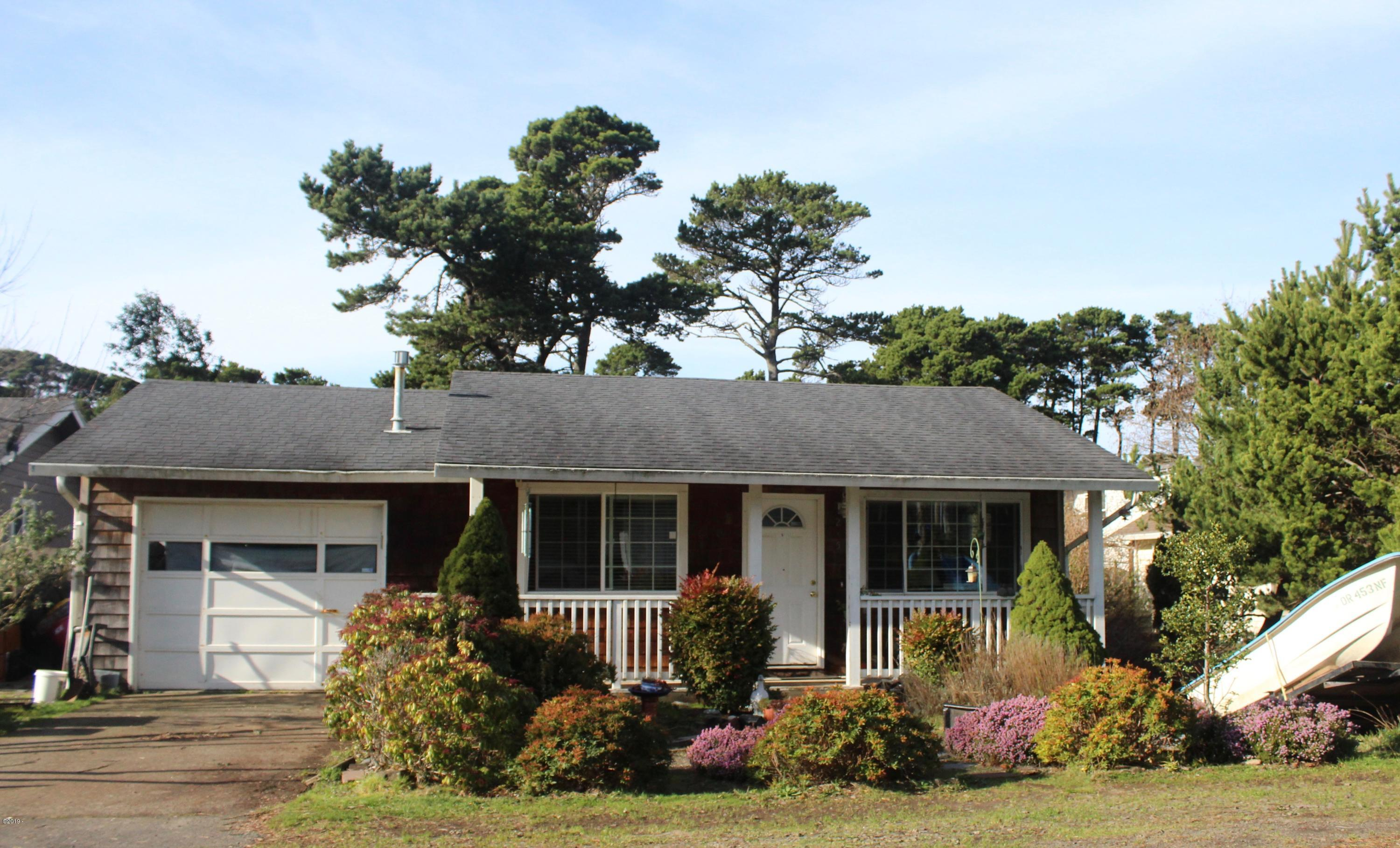 2159 NW Keel Ave, Lincoln City, OR 97367 - Front View