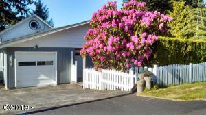1835 NE 18th St., Lincoln City, OR 97367 - Curbside