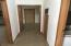 197 S Wells Dr, Lincoln City, OR 97367 - Hallway