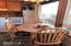 4239 SW Highway 101, 16, Lincoln City, OR 97367 - Eating area