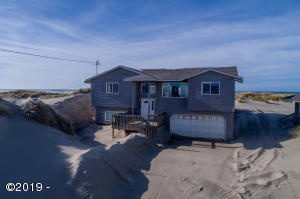 302 NW Oceania Dr, Waldport, OR 97394 - Main Exterior