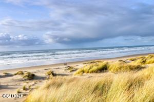 810 NW Oceania Dr, Waldport, OR 97394 - Miles of ocean beaches