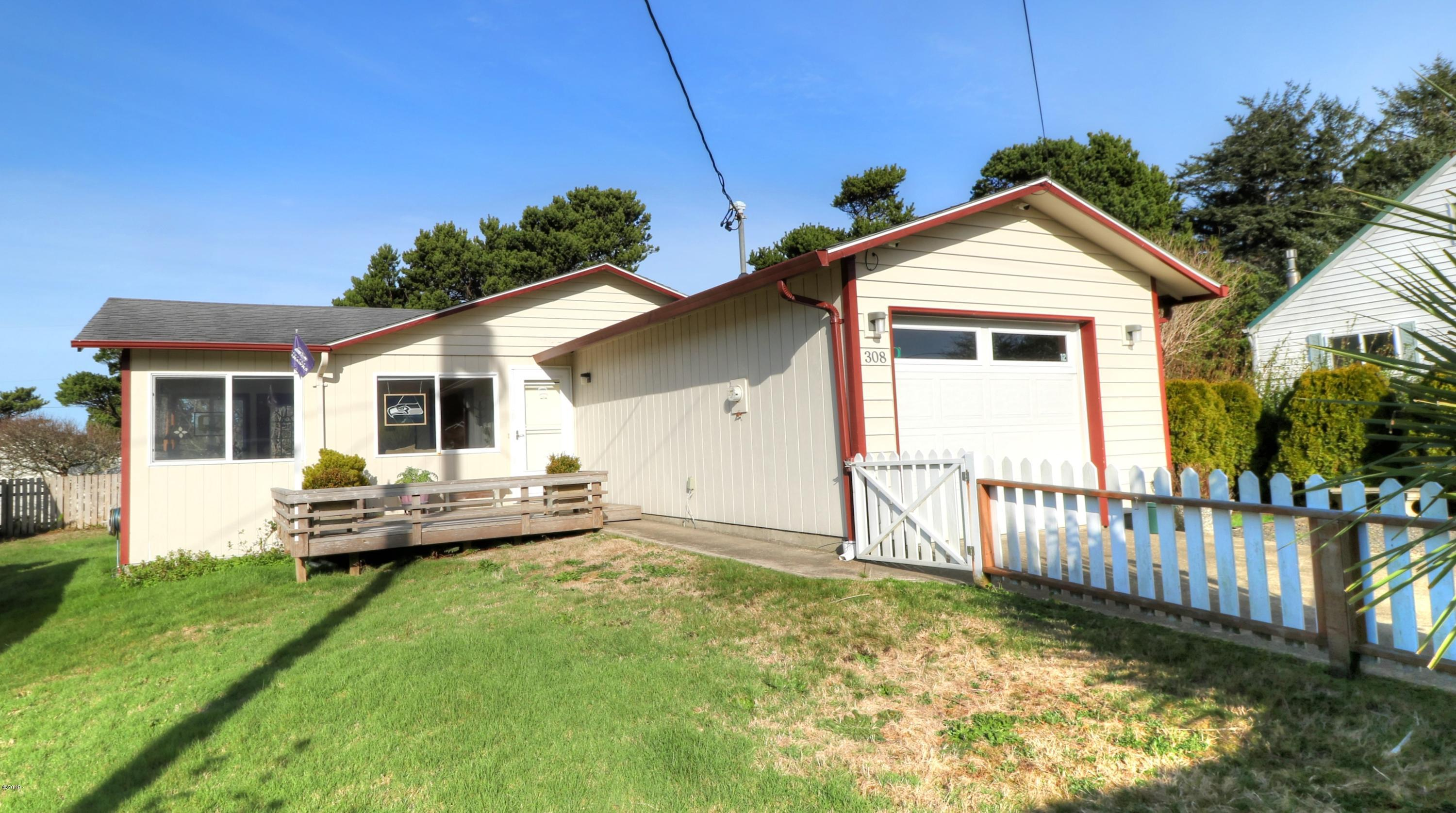 308 NW 59th St, Newport, OR 97365