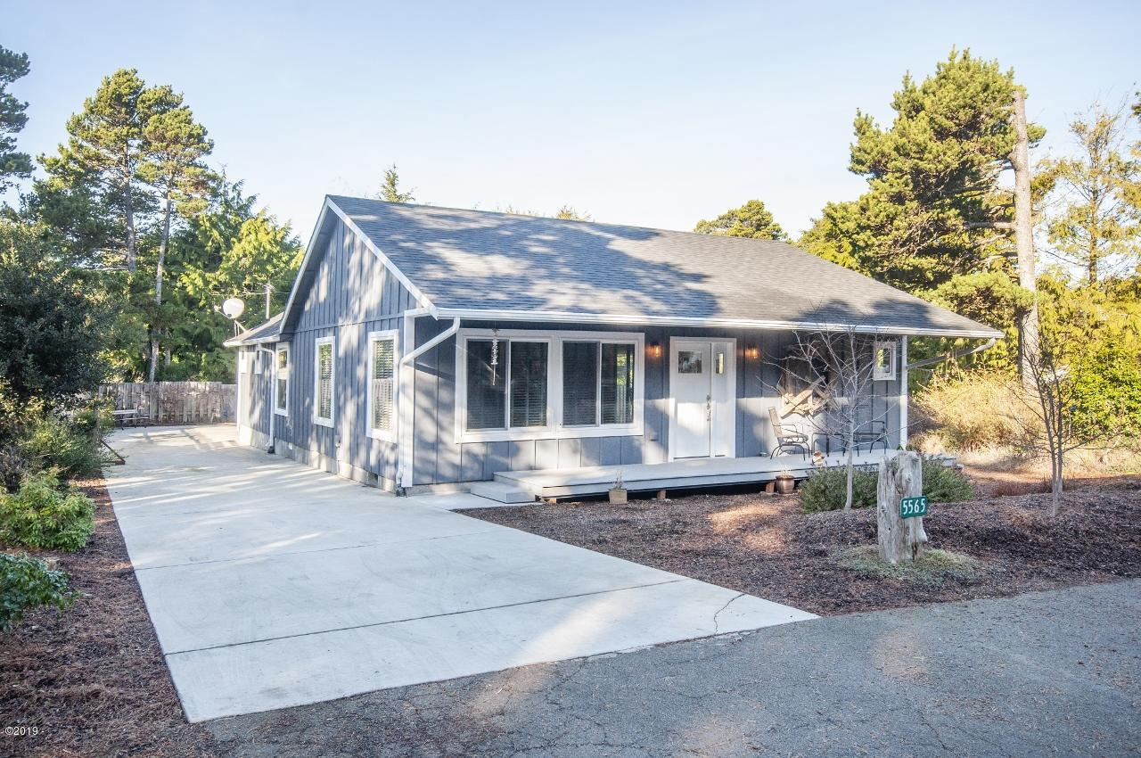 5565 Palisades Dr, Lincoln City, OR 97367