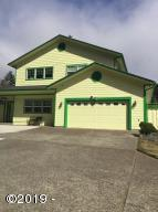 906 Pioneer Ln, Brookings, OR 97415 - Front