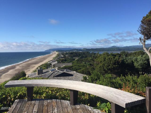 17 Ocean Crest Rd, Gleneden Beach, OR 97388 - LIVE Beach side!