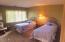 17 Ocean Crest Rd, Gleneden Beach, OR 97388 - Guest bedroom