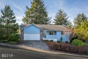 2532 NE 57th Ct, Lincoln City, OR 97367 - Front Exterior