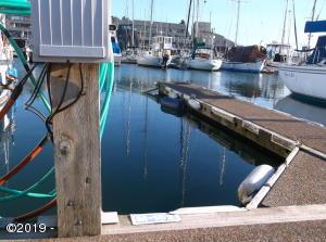 1000 SE Bay Blvd., Moorage M-152, Newport, OR 97365