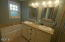 7601 N Coast Hwy, Newport, OR 97365 - Master Bathroom