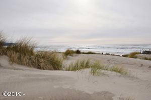 1604 NW Oceanic Loop, Waldport, OR 97394 - The beach at Bayshore