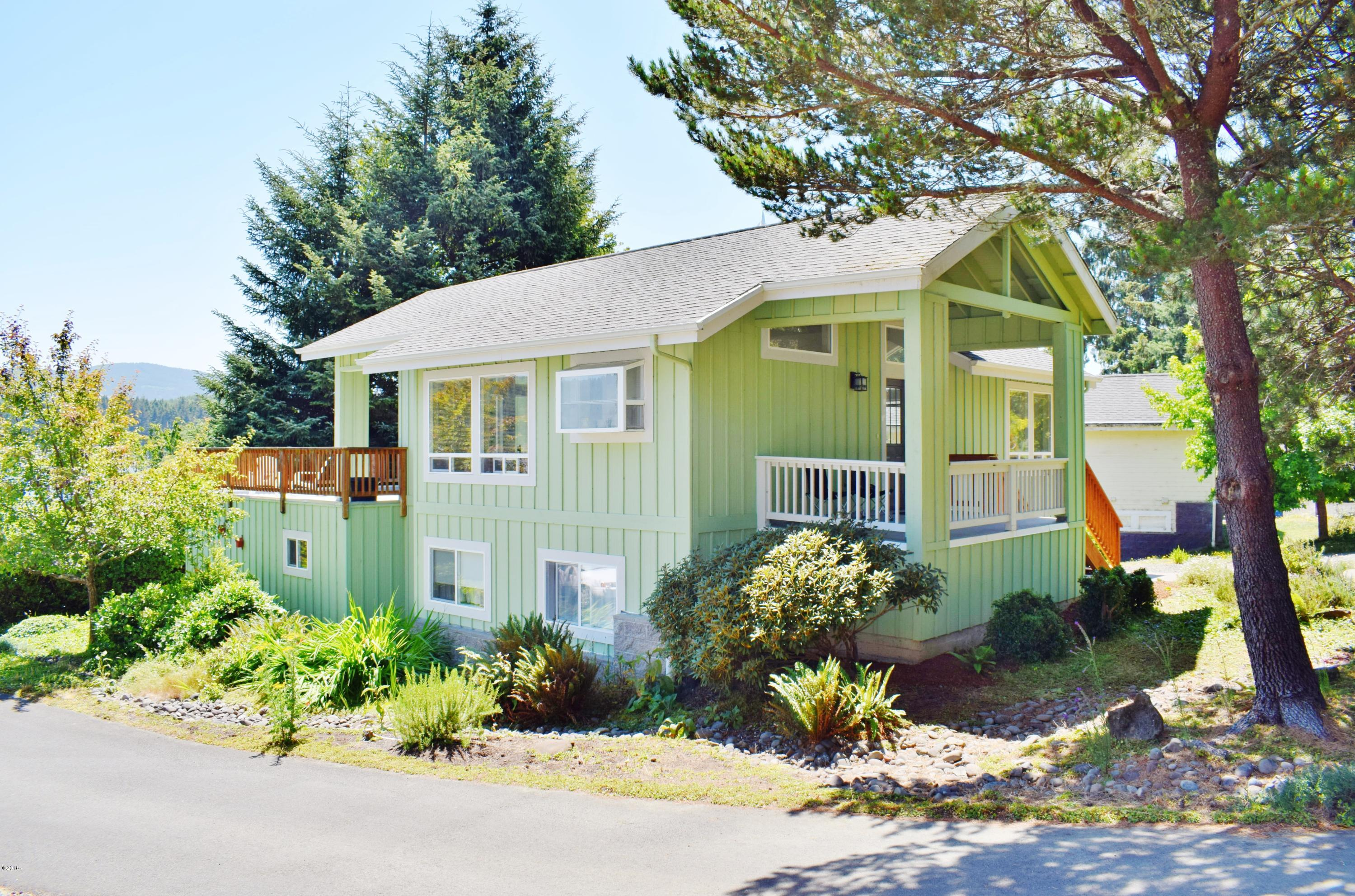 1130 NE Voyage Ave, Lincoln City, OR 97367 - North and west sides