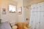 1130 NE Voyage Ave, Lincoln City, OR 97367 - Guest Bathroom