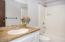 2106 NW Parker Ave, Waldport, OR 97394 - Guest Bath (1280x850)