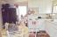 2020 NE Hwy 101, Lincoln City, OR 97367 - Unit 5 kitchen