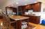 424 SW Cliff St, Depoe Bay, OR 97341 - Eating Bar