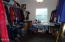 424 SW Cliff St, Depoe Bay, OR 97341 - Master walk-in closet