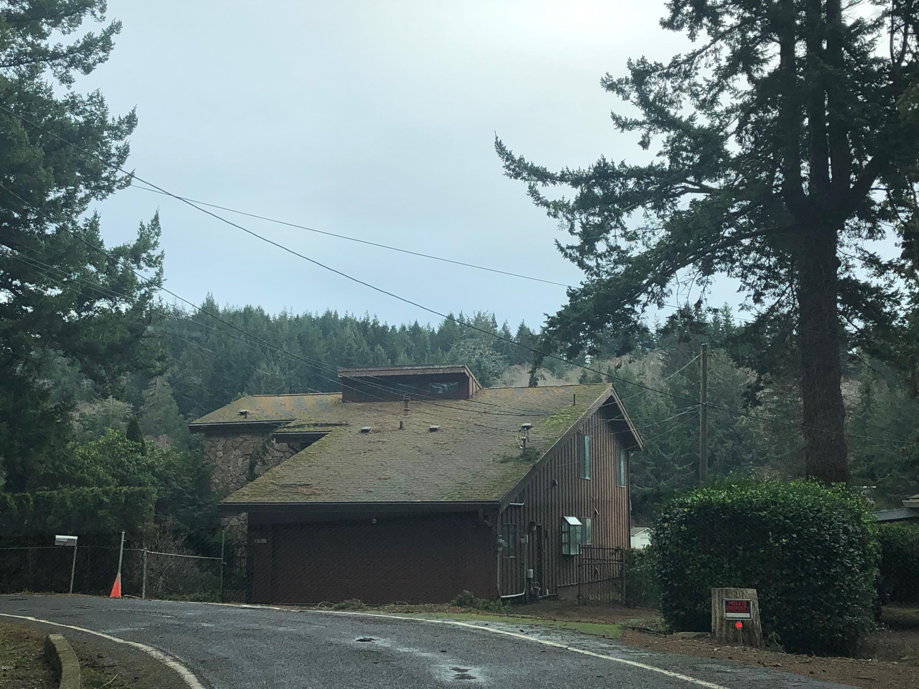 2911 NE Loop Dr, Otis, OR 97368