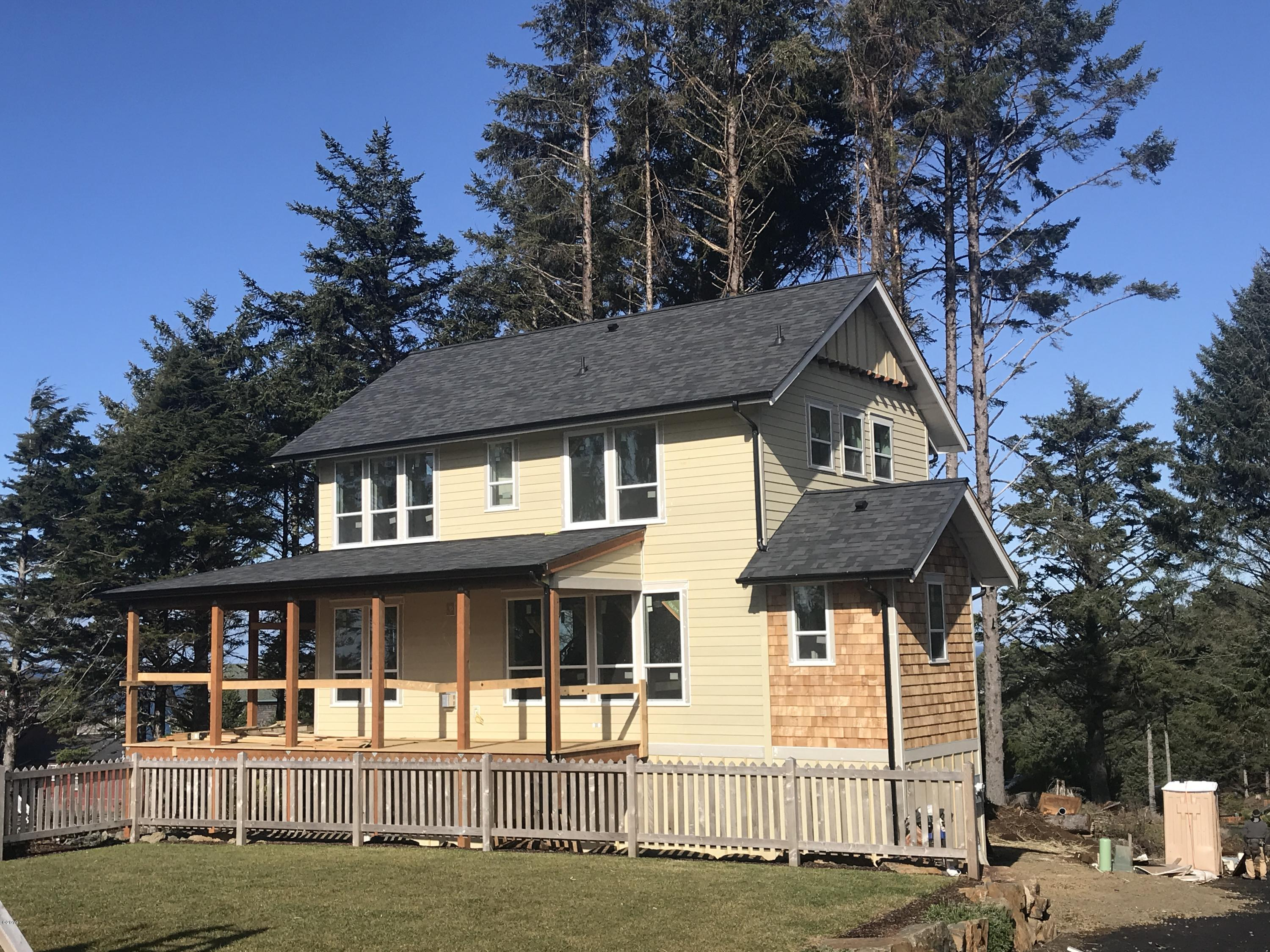 2337 SW Driftwood Lane, Lincoln City, OR 97367