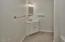 551 NW 54th St, Newport, OR 97365 - Lower Level Full Bath