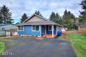 820 Nw Estate Drive, Seal Rock, OR 97376 - 820 NW Estate Drive