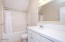 2767 SW Beach Ave, Lincoln City, OR 97367 - Upstairs main bath