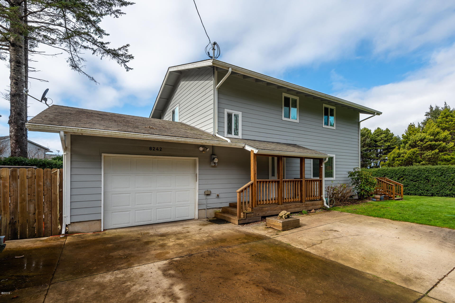 8242 SW Abalone St, South Beach, OR 97366 - _D850396-HDR-RMLS